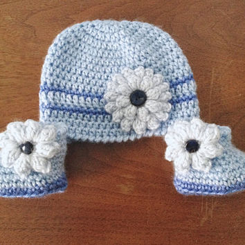 Newborn Baby Girl Flower Hat and Booties Set in Blue - Crochet Newborn Hat - Infant Girl Shoes - Baby Coming Home Outfit - Crochet Baby Set
