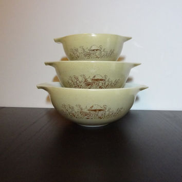 Vintage Set of 3 Nesting Pyrex Mushroom Mixing Bowls - Forest Fancies