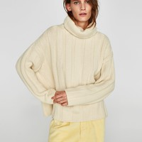 CASHMERE ROLL NECK SWEATERDETAILS