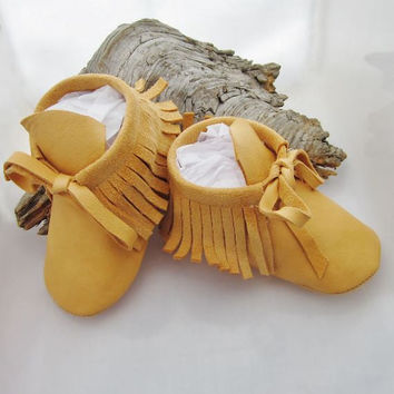 Baby shoes Baby moccasins Fringe baby moccasins Boys shoes Girls shoes Native American Leather baby moccasins Prewalker shoes Baby shower