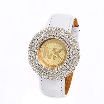 Stylish Fashion Designer Watch ON SALE = 4121334084