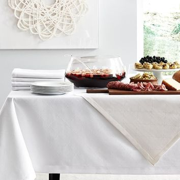 Juliet White Tablecloths and Napkins