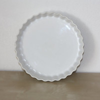 Tart or pie plate in white porcelain // Revol // French vintage