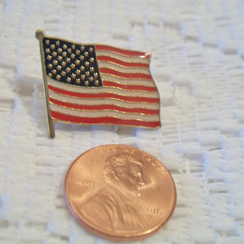 Vintage American Flag Lapel Pin Patriotic Unisex Jewelry Stars and Stripes