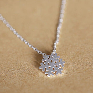 925 sterling silver necklace, sweet wiredrawing snowflakes collarbone chain