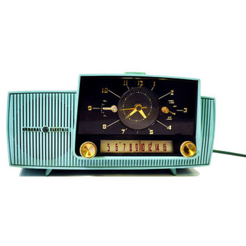 Vintage 1950's Turquoise Radio, GE AM Tube Radio, Antique General Electric Clock Radio