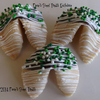 25 St. Patrick's Day Fortune Cookies, Irish, Leprechaun, Personalized, Green Cookies, Class Parties, Pregnancy Announcements, Parties