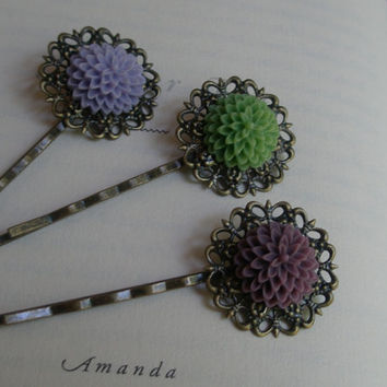 Flower bobby pin set- Green flower bobby pin- Purple flower bobby pin- Filigree hair pin set- Flower hair pin set- Summer hair pin set