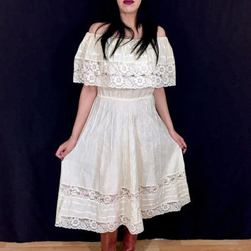 Vintage 50s Mexican Cream Beige Off Shoulder Cotton Lace Peasant Bohemian Fiesta Sun Dress S // M // L