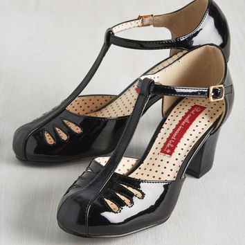 Shimmer Down Now Heel in Black Gloss | Mod Retro Vintage Heels | ModCloth.com