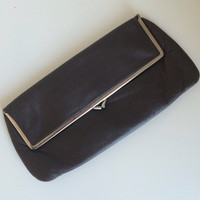 1970's Brown Leather Clutch Purse / Kisslock / 70s Vintage