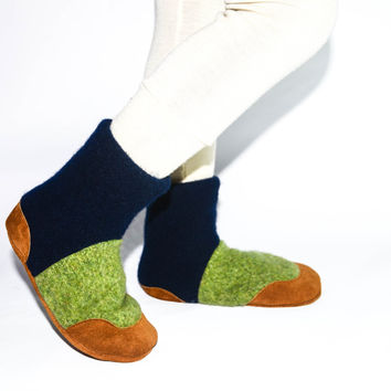 Kids Lambswool/Cashmere Shoes, Boy's Wool Boots, Soft Soled and Eco-friendly.  Green & Blue Shoes.  Sizes: Kids 7.0 - Youth 2.5