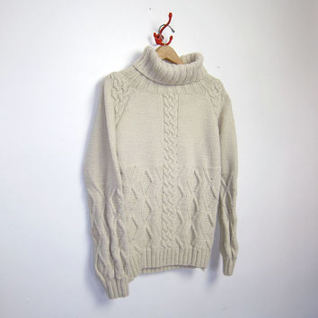 STOREWIDE 25% OFF SALE vintage wool sweater. fisherman's sweater. chunky knit sweater.