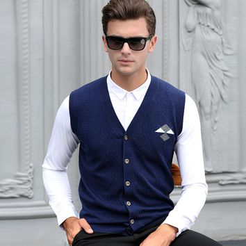 New design mens autumn cashmere sweater vest fashion plaid sleeveless sweater man argyle v-neck wool sweater cardigan