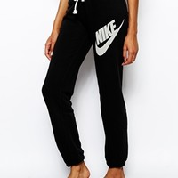 Nike Loose Sweat Pants
