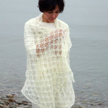 Knit bridal shawl in ivory  made to order by CozySeason on Etsy
