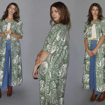Vintage 60s 70s HAWAIIAN DUSTER / Lightweight Throw Over, Jacket / Muted Sage Green + Cream / Floral, Leaf, Wildlife Print / Puff Sleeve