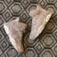 KAWS X Air Jordan 6    Basketball Sneaker