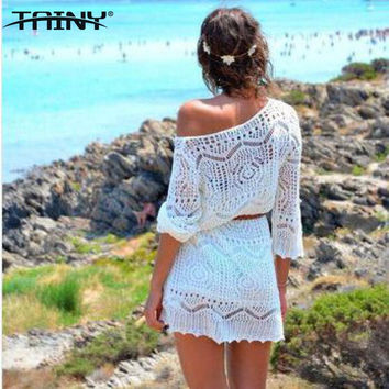2017 New Europe America Hollow Crochet Lace Women White Beach Dress With Belt