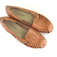 vintage leather huaraches // brown woven flats // slip on sandals. womens size 8