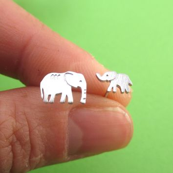 Tiny Mother and Baby Elephant Shaped Allergy Free Stud Earrings in Silver