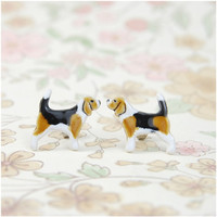 Beagle dog stud- tiny dog, dog lover, ceramic stud, mini ,surgical steel,