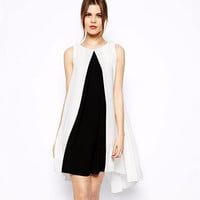 Black and White Sleeveless Tunic Mini Dress