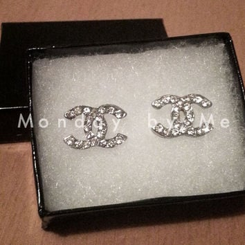 C logo inspired stud Earrings
