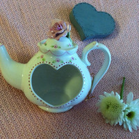 Teapot Candle Holder Vintage Ceramic Teapot Tealight With Heart Cutout and Roses Valentine Romantic Pink Floral Home Decoration Gift For Her