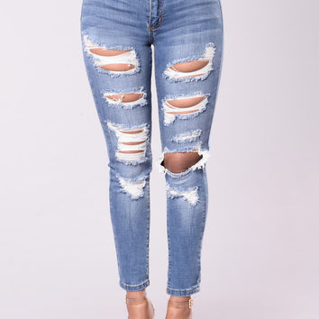 Setting The Bar Jeans - Medium Wash