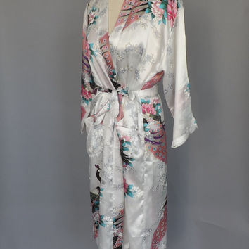 Vintage 1980s 1990s Peignoir Set White Peacock Print Robe and Nightgown Asian Kimono Robe Pin Up Girl Oriental Bridal Lingerie Sexy Teddy