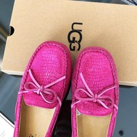 UGG sells stylish women's flat alligator print bun shoes