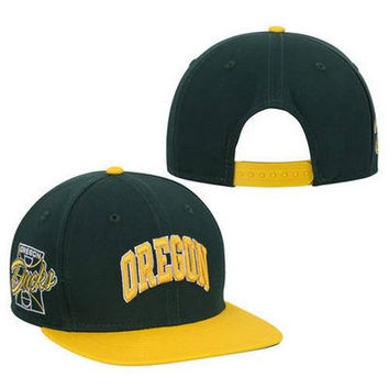 Oregon Ducks Snapback Hat by New Era Original Fit New with Stickers OU Pac 12