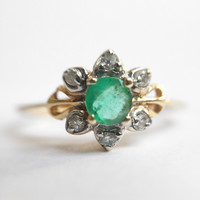 Anemone - Vintage Emerald and Diamond ring in 14k yellow gold - size 7.5