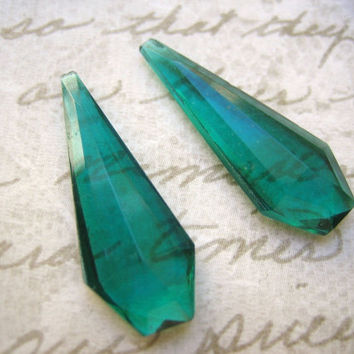 Vintage  glass drops beads stones emerald green faceted exquisite (2)