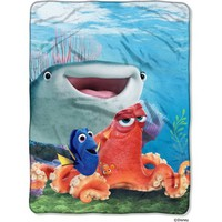 "Disney Finding Dory ""Fishy Group"" 46"" x 60"" Micro Raschel Throw - Walmart.com"