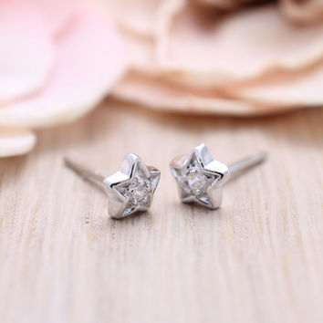 925 sterling silver Tiny star stud earrings with pave cz