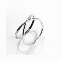 RING Infinity in Sterling Silver. Minimalistic and Organic. Hammered, Forged. Handmade.