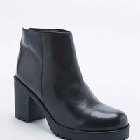 Rebecca Zip-Back Boot - Urban Outfitters