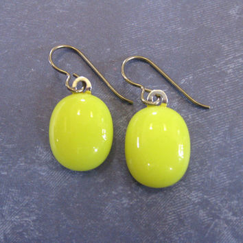 Yellow Niobium Earrings, Dangling Fused Glass Earrings, Niobium Jewelry on Etsy - Lemon Ice - 1721 -3