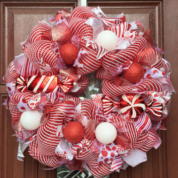 Deco Mesh Christmas Wreath, peppermint xmas wreath, Red White holiday wreath, candy wreath, Christmas Decor Holiday decor