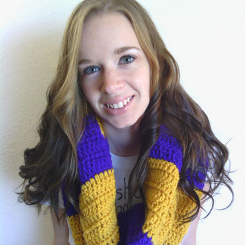 Crochet Cowl, Warm Cowl, Crochet Neckwarmer, Crochet Scarf, Striped Scarf, Striped Neckwarmer, Purple and Gold Cowl, Bulky Handmade Cowl