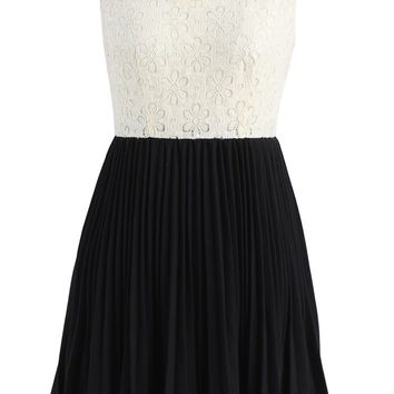 Glistening Flower Sequins Pleated Sleeveless Dress