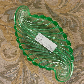 Glass - Green Vintage Swirl Dish $18