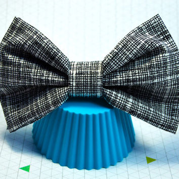Black and White Stripe Fabric Hair Bow, Large Hair Bow, Big Hair Bow for Women, Hair Bow for Teens, Hair Bow for Babies, Alligator Clip Bow