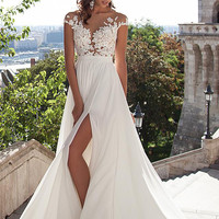 Beach Wedding Dresses Boho Sexy V-Neck Wedding Dresses Chiffon Lace Appliques Bridal Gowns High Side Slit Country Bride Dress.