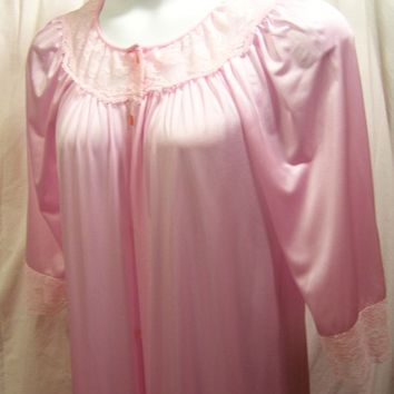 Gilead Robe, Long Pink, Button Front, Size S Small, Bridal Honeymoon, Dressing Gown, Resort Cruise,Nursing Home,  Hospital Maternity