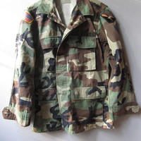 Military Issue Army Patch Camo Camouflage BDU Hunting Used Jacket Shirt Small 912