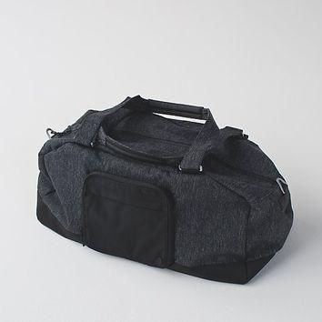 city sweat duffel | men's bags | lululemon athletica