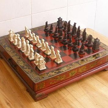 Classical Collectible Decorative hand made 32 pieces chess set